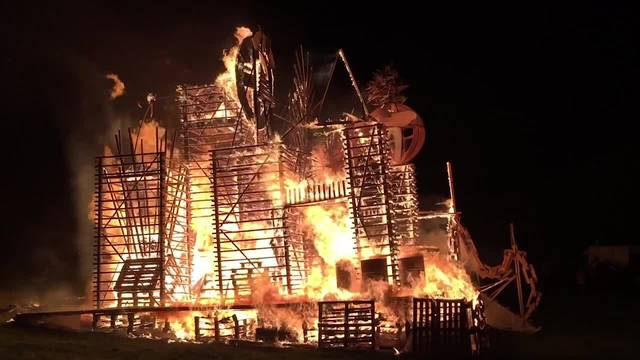 Feuerspektakel in Läufelfingen