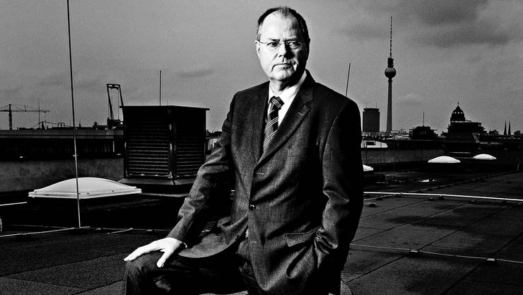 Bundesfinanzminister Peer Steinbrück auf dem Dach des Finanzministeriums in Berlin. Frank Zauritz