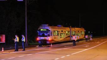 Ein Bahnunfall in Suhr kostet zwei Menschen das Leben