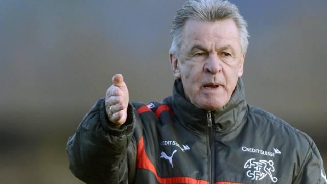 Nationalcoach Ottmar Hitzfeld hat vorerst einen Vertrag bis 2014