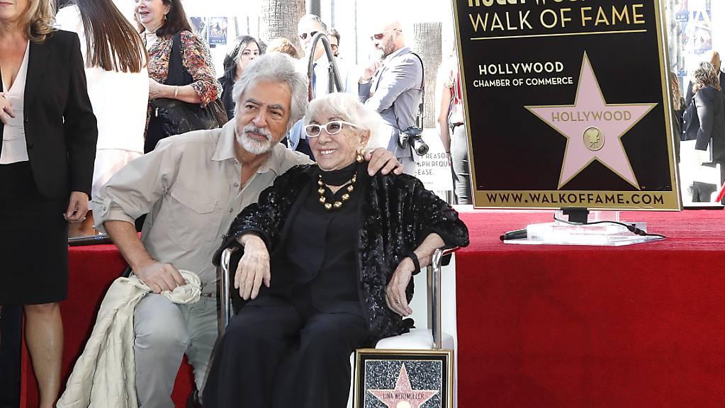 Späte Ehrung in Hollywood: Die 91-jährige Regisseurin Lina Wertmüller ist mit einem Stern auf dem berühmten «Walk of Fame» ausgezeichnet worden.