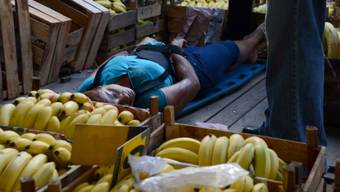 Eine erschossene Frau auf einem Markt in Acapulco (Archiv)