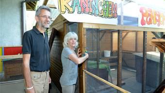Das Pfarr-Ehepaar Lukas und Esther Baumann hat wegen der «Kaninchen-Affäre» strube Wochen hinter sich.