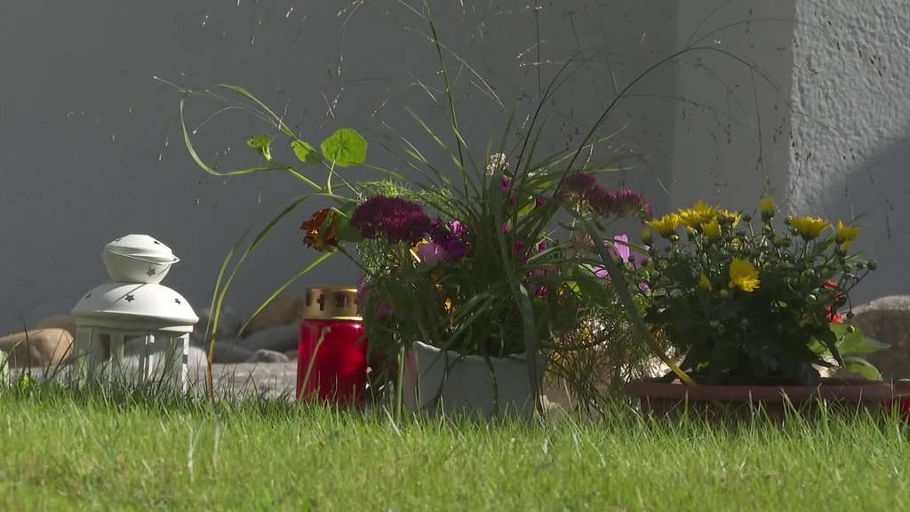 Älteres Ehepaar stürzt in den Tod