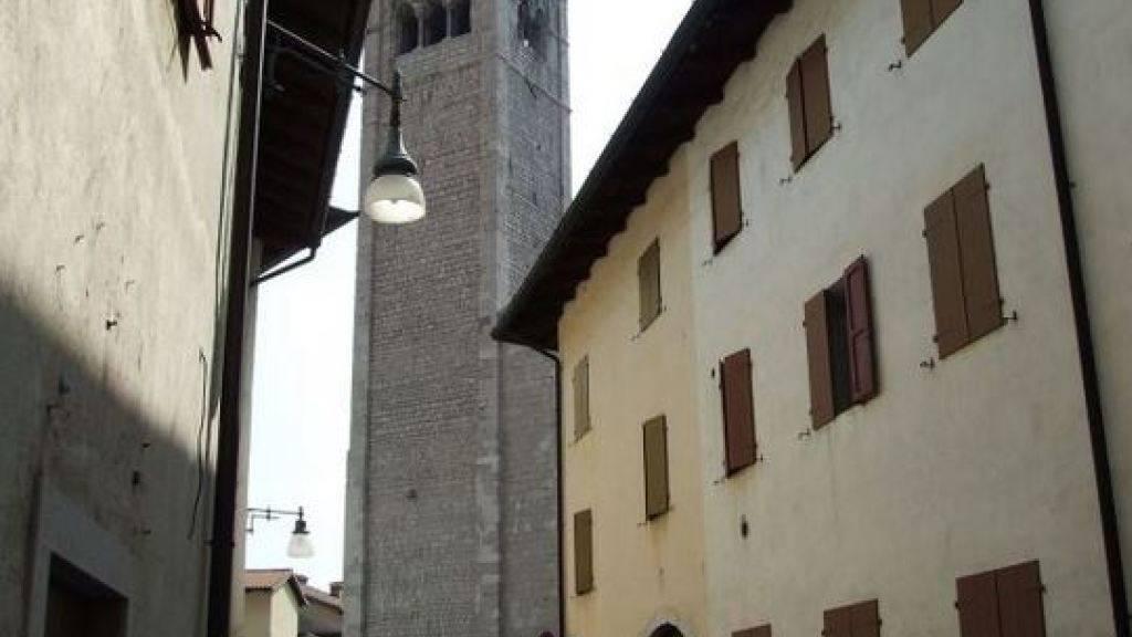 Die renovierte Altstadt von Venzone (Archiv)