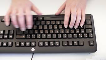 Die heftig umstrittene Reform des EU-Urheberrechts ist endgültig beschlossen. Die Reform soll das veraltete Urheberrecht in der EU ans digitale Zeitalter anpassen. (Symbolbild)