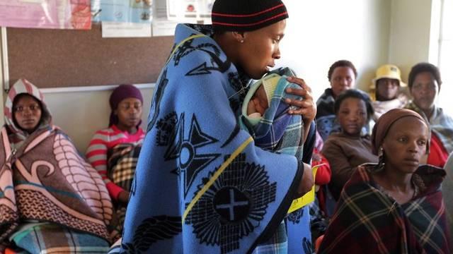 Eine Klinik in Lesotho, wo etwa ein Viertel der erwachsenen Bevölkerung mit dem HIV-Virus infiziert ist (Archiv)