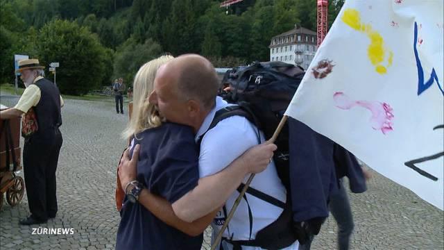 Aldo Berti knackt den Barfusswander-Weltrekord