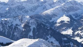 Nach einem tödlichen Skiunfall in Adelboden ist der Pistenchef wegen fahrlässiger Tötung vom Gericht in Thun verurteilt worden (Themenbild).