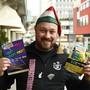 Obergugger Mischu Baier mit den Flyern zu den neuen Grenchner Fasnachtsveranstaltungen.