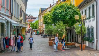 In der Altstadt von Radolfzell kann man ohne Gedränge shoppen.