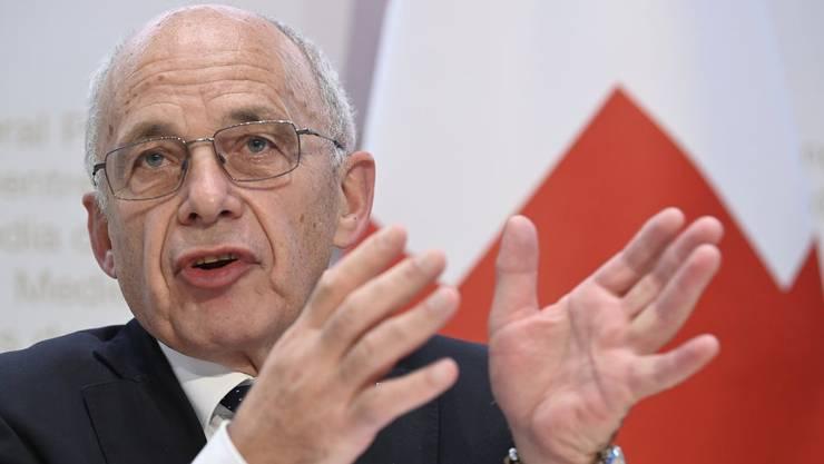 Ueli Maurer erhöht die Corona-Hilfen von total 200 Millionen Franken auf eine Milliarde Franken.