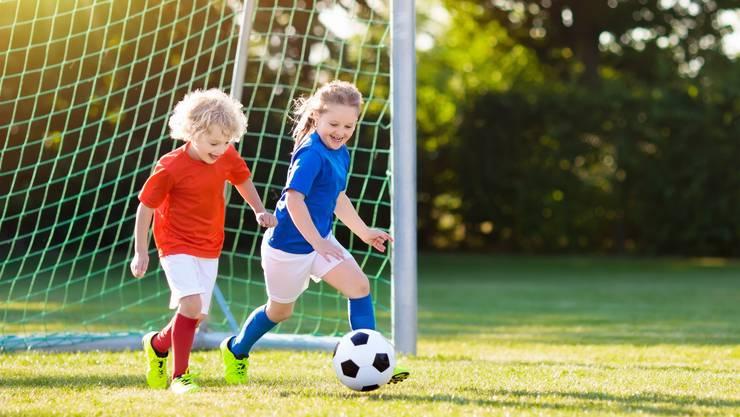 Auch sie sind Kunden von Nestlé: Sechs- bis zwölfjährige Kinder, die der Nahrungsmittelmulti mit Fitnessarmbändern ausrüsten will.