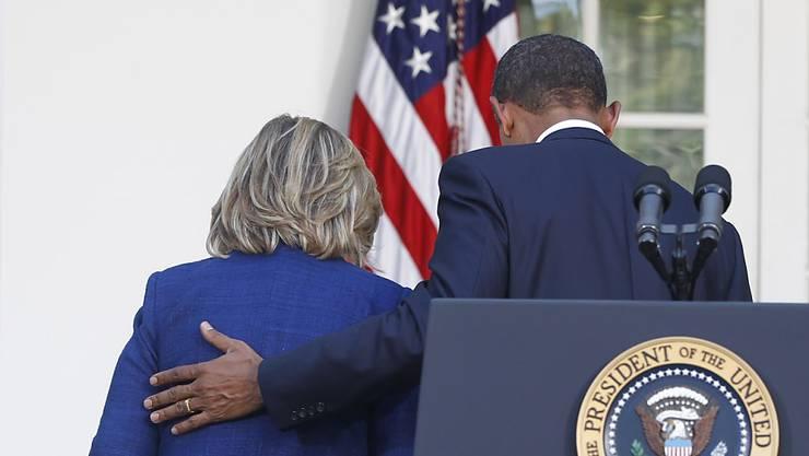 Gehen gemeinsam in den Wahlkampf: Clinton und Obama. (Archivbild)