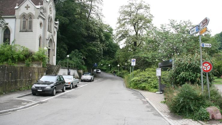 Die Parkstrasse führt vom Bäderquartier hinauf ins Römerquartier