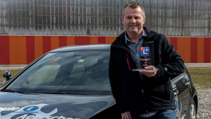 Der Aarauer Andy Aebischer landete im schweizweiten Ranking der «Superfahrlehrer» auf Platz 11 und erhält die Auszeichnung «Bester Fahrlehrer des Kantons Aargau».