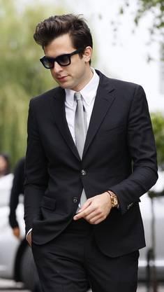 Musiker Mark Ronson bei der Beerdigung von Amy Winehouse