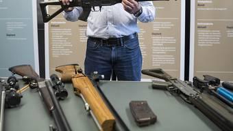 Am 19. Mai entscheidet das Schweizer Stimmvolk über das neue Waffenrecht ab.