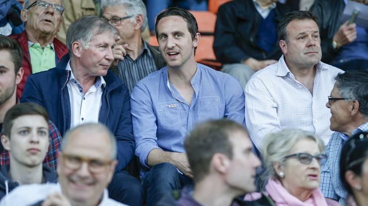 Praesident Alfred Schmid, Sportchef Sandro Burki (Aarau) und der neue Aarau-Trainer Patrick Rahmen