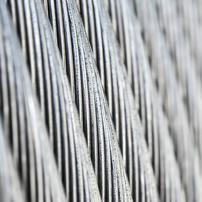 Brugg Cables baut 120 Stellen ab