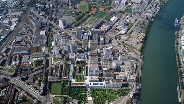 Der Autounfall geschah auf dem Novartis-Campus.