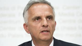 Alt Bundesrat Didier Burkhalter musste wegen einer Krebserkrankung operiert werden. (Archivbild)