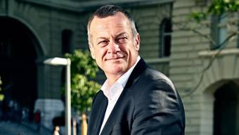 Gewohnt gelassen: Martin Landolt während der Herbstsession vor dem Bundeshaus.
