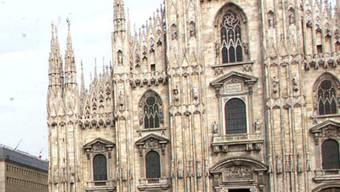 Blick auf einen Teil der Fassade des Mailänder Doms: Wer viel Geld hat, kann sich darauf verewigen lassen (Archiv)