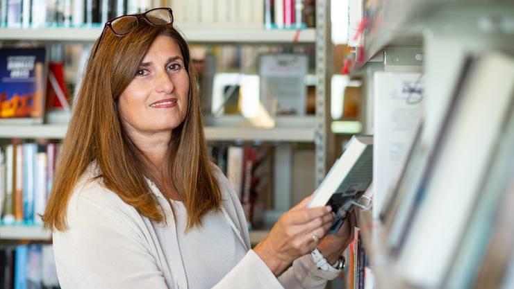 Marianna Portaluri ist Bibliotheksleiterin in der Bibliothek Geroldswil. (Archivbild)