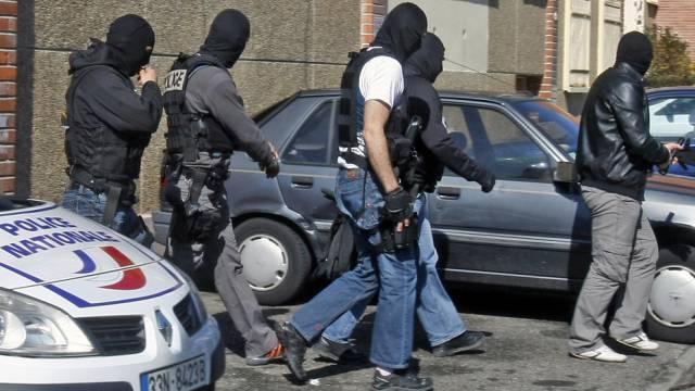 Spezialkräfte der Polizei vor Merahs Wohnung (Archiv)