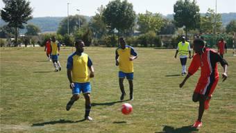 Mit vollem Einsatz wurde am Turnier Fussball gespielt – zehn Teams wollten den Sieg erringen.