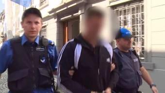 Das albanische Einbrecher-Duo hat den Aargau in Angst und Schrecken versetzt. Sie haben bei rund 30 Einbrüchen etwa 250'000 Franken erbeutet.
