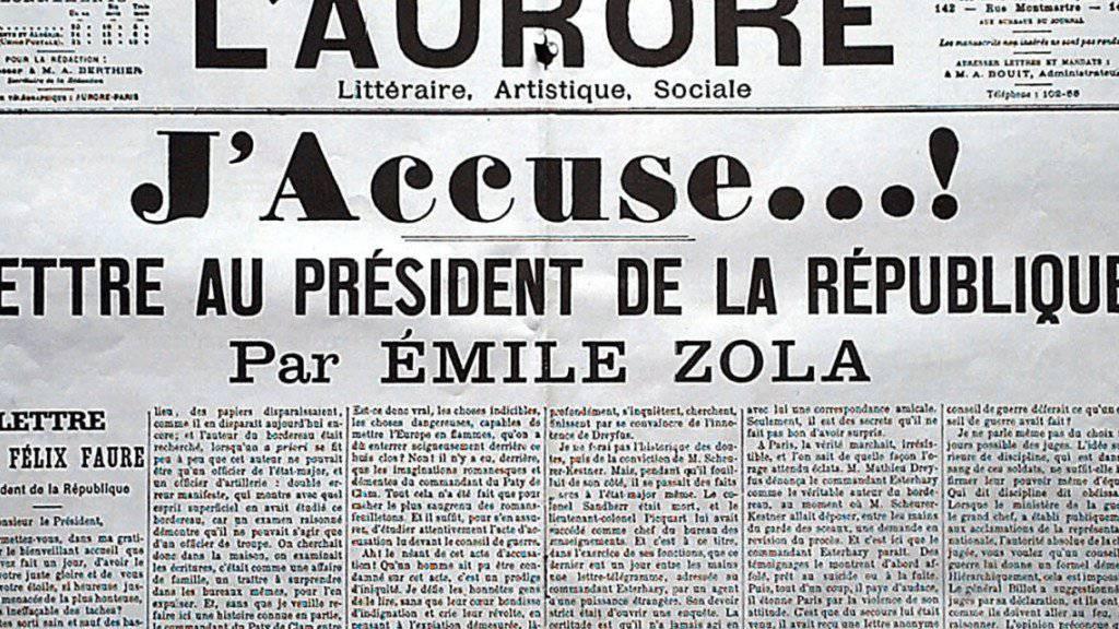 Eines der Ausstellungsstücke in Paris: Die Titelseite der Zeitung «L'aurore» mit dem berühmten Brief von Émile Zola. (Archiv)
