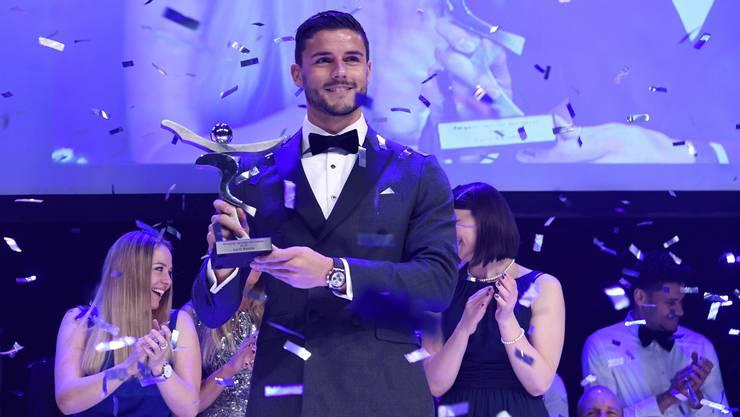 Loris Benito wird als Aargauer Sportler des Jahres geehrt.