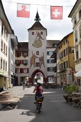 Auf der Stedtli-Seite ist der Rütlischwur und der heilige Georg mit Drachen abgebildet.