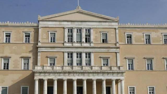 Parlamentsgebäude in Athen: Die Mehrheit der Regierungskoalition schrumpft weiter (Symbolbild)