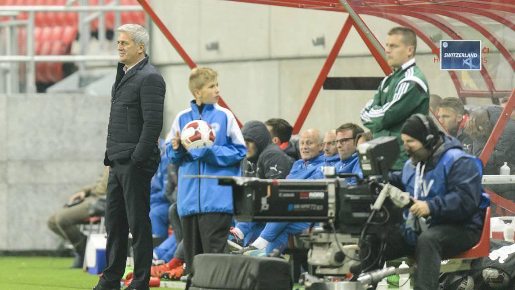 Der Schweizer Trainer Vladimir Petkovic (links) verlangt andere Mentalität