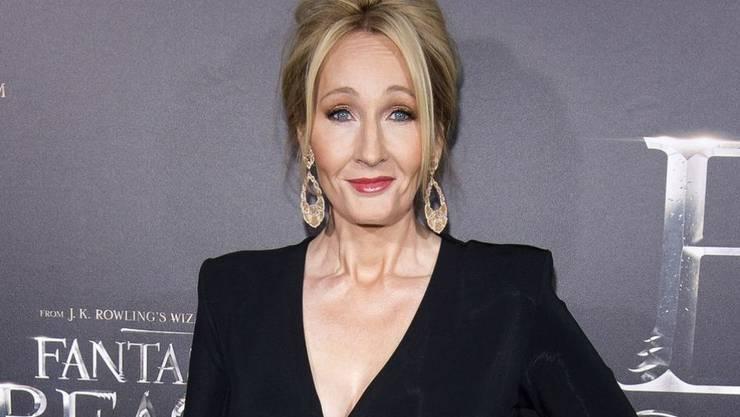 """Joanne K. Rowling hat sich am Montag per Twitter bei den Fans bedankt dafür, dass sie ihre """"Harry Potter""""-Welt seit 20 Jahren mit ihnen teilen darf. (Archivbild 2016)"""