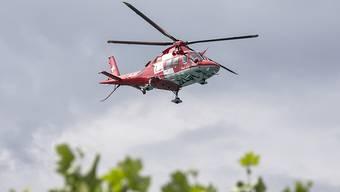 Das 7-jährige Kind wurde mit einem Rettungshelikopter ins Spital geflogen.