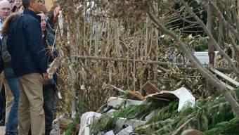 US-Präsident Barack Obama besichtigt verwüstetes Gebiet in New York