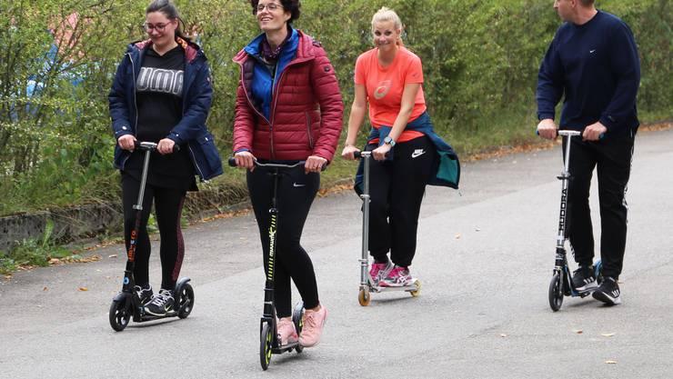 Trottinett-Fahren war bei den Teilnehmerinnen und Teilnehmern am J+S-Leiterkurs Kindersport hoch im Kurs.