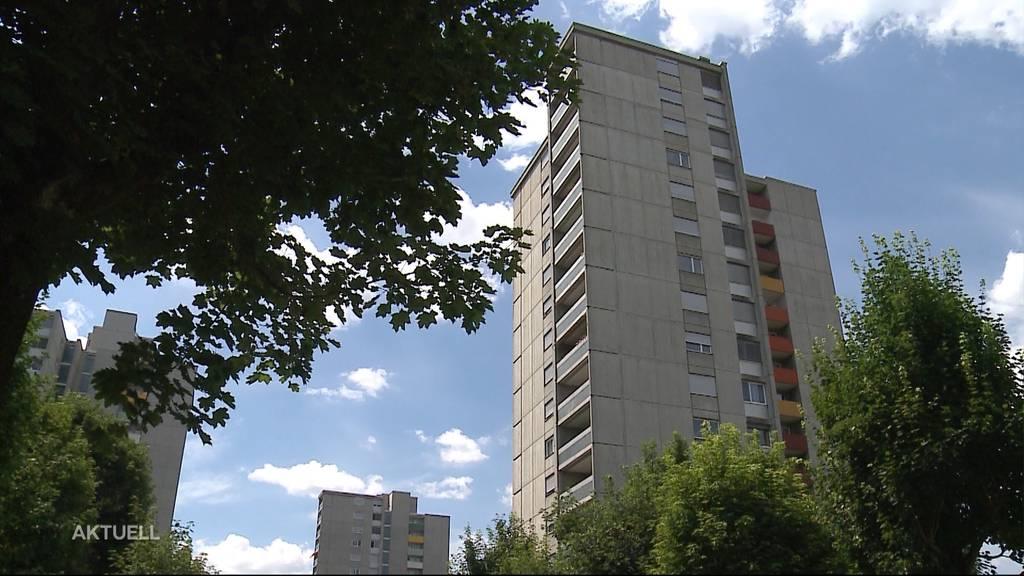 20-Jähriger stirbt in Brugg nach Sturz aus dem 6. Stock