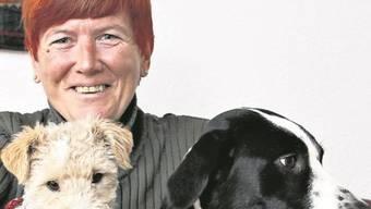 Franziska Eggenberger: die Hunde bringen sie unters Volk.