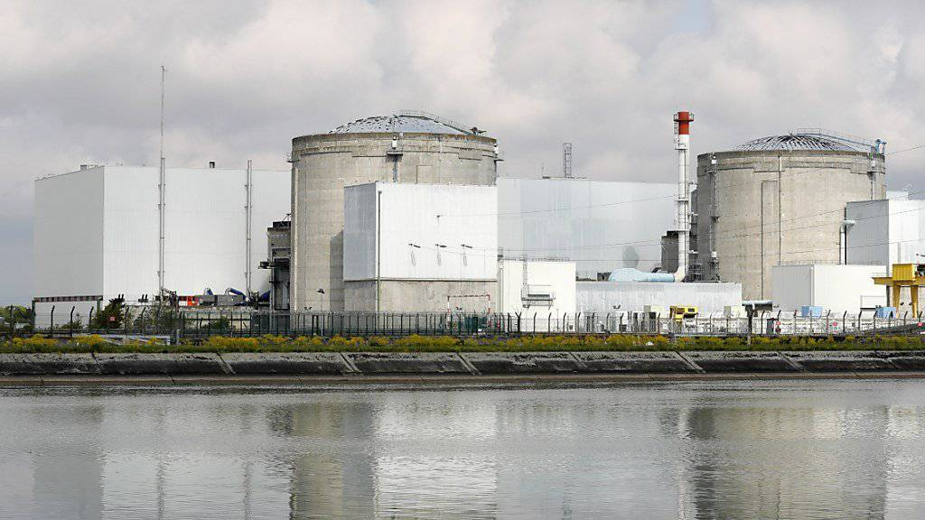 Die Betreiberin des elsässischen Atomkraftwerkes Fessenheim verlangt eine Entschädigung für die Schliessung des umstrittenen Meilers, der im Sommer 2020 vom Netz gehen soll. (Archivbild)