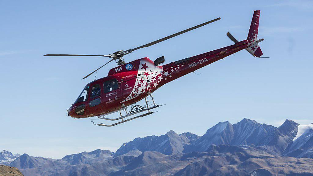 Ein Mann ist durch einen explodierenden Knallkörper im Wallis schwer verletzt worden. Er musste per Helikopter ins Lausanner Universitätsspital transportiert werden.