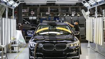 Der Autobauer BMW setzt seine Pläne in Mexiko fort. (Archiv)