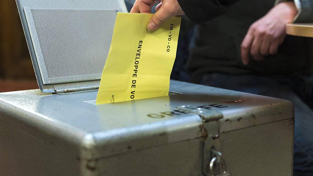 Im November wird über die Selbstbestimmungsinitiative abgestimmt. Laut einer Umfrage im Auftrag von Operation Libero können aber knapp die Hälfte der Menschen in der Schweiz keine Umschreibung des Begriffs Völkerrecht geben. (Archivbild)