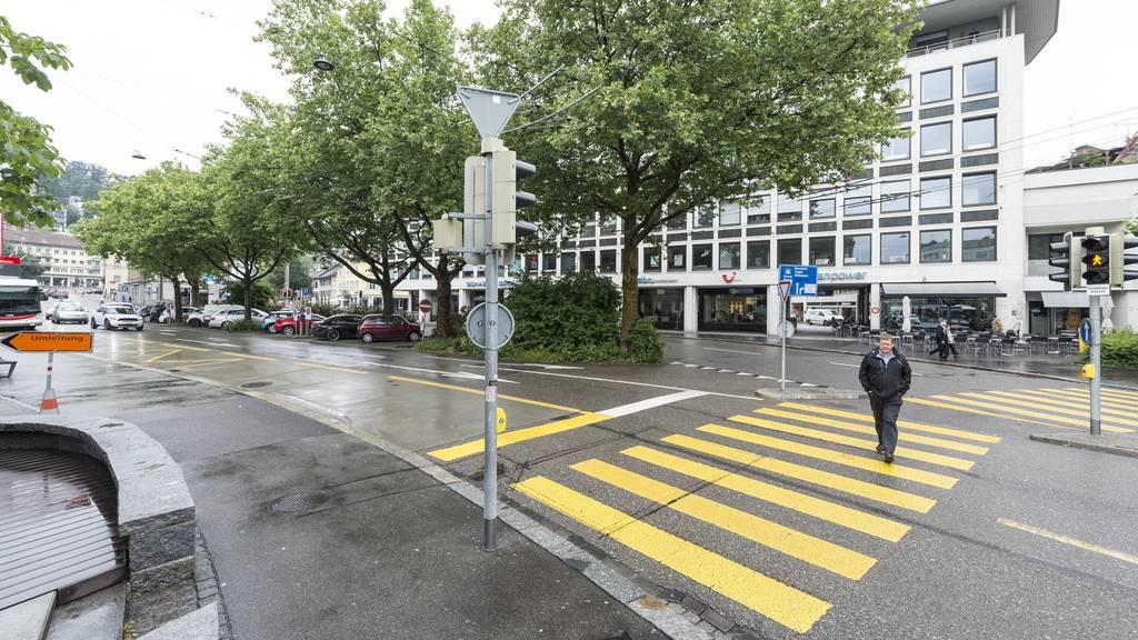 Hier war das Parkhaus Schibenertor in St.Gallen geplant - im Hintergrund das Uniongebäude.