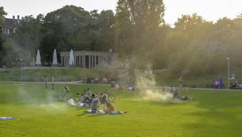 Der Pavillon im St.Johanns-Park: Stadtseitig gelegen, eine Terrasse mit Rheinblick, aber bereits von wechselvoller Gastro-Geschichte geprägt.