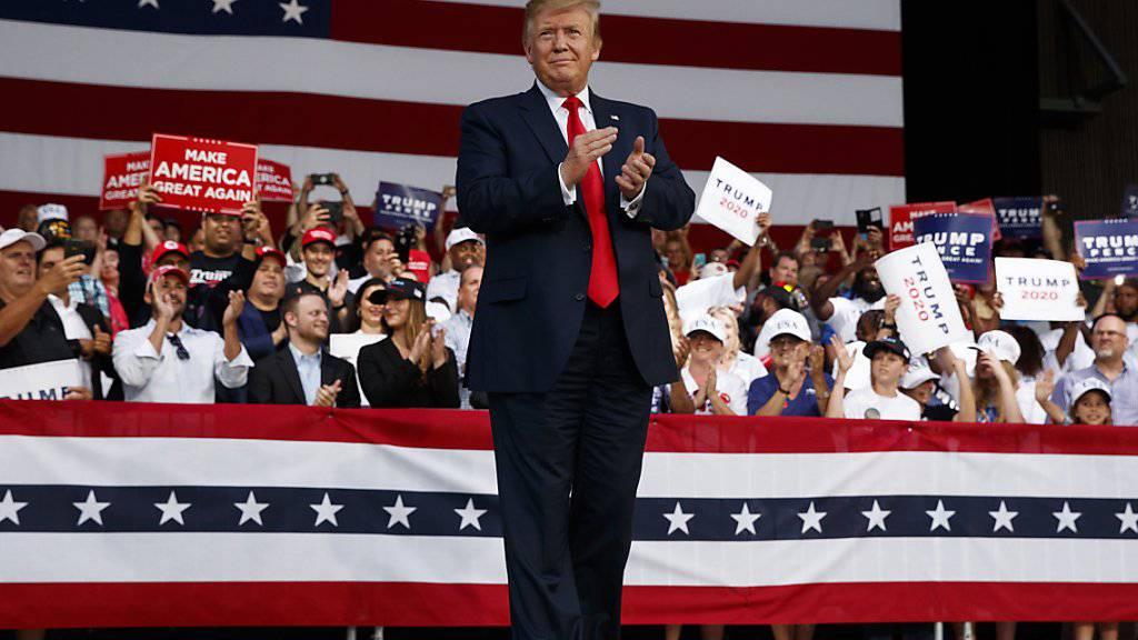 US-Präsident Donald Trump hat am Mittwoch auf einer Wahlkampfveranstaltung in Florida zu einem Rundumschlag von politischen Themen ausgeholt.